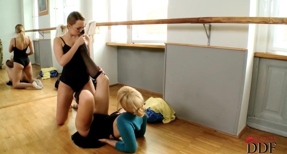 Stockinged Ballerina Lesbians