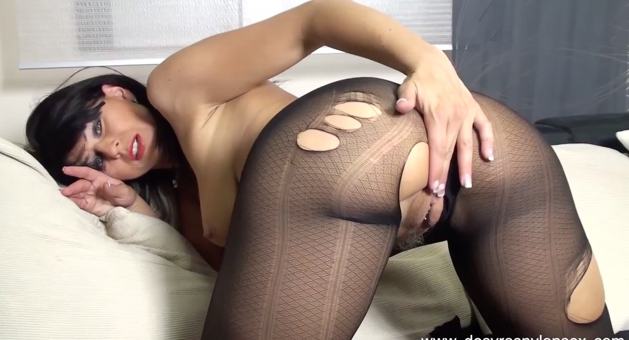 Desyra's Nylon Sex