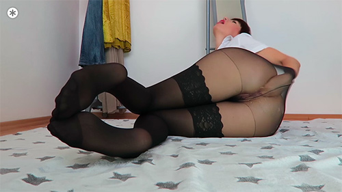 sheer-stocking-babe-mylene2