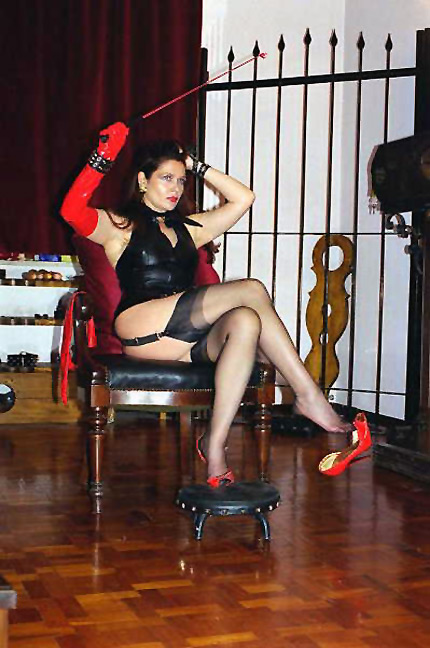 Fulfil your raunchy desires by hiring a mature mistress