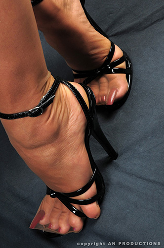 long toenails nylons